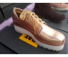 Zapato CAT mujer